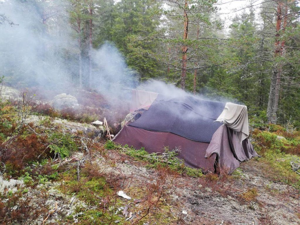 Der er røg i teltet