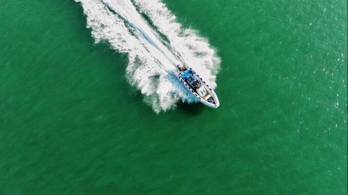 RIB båd fra oven